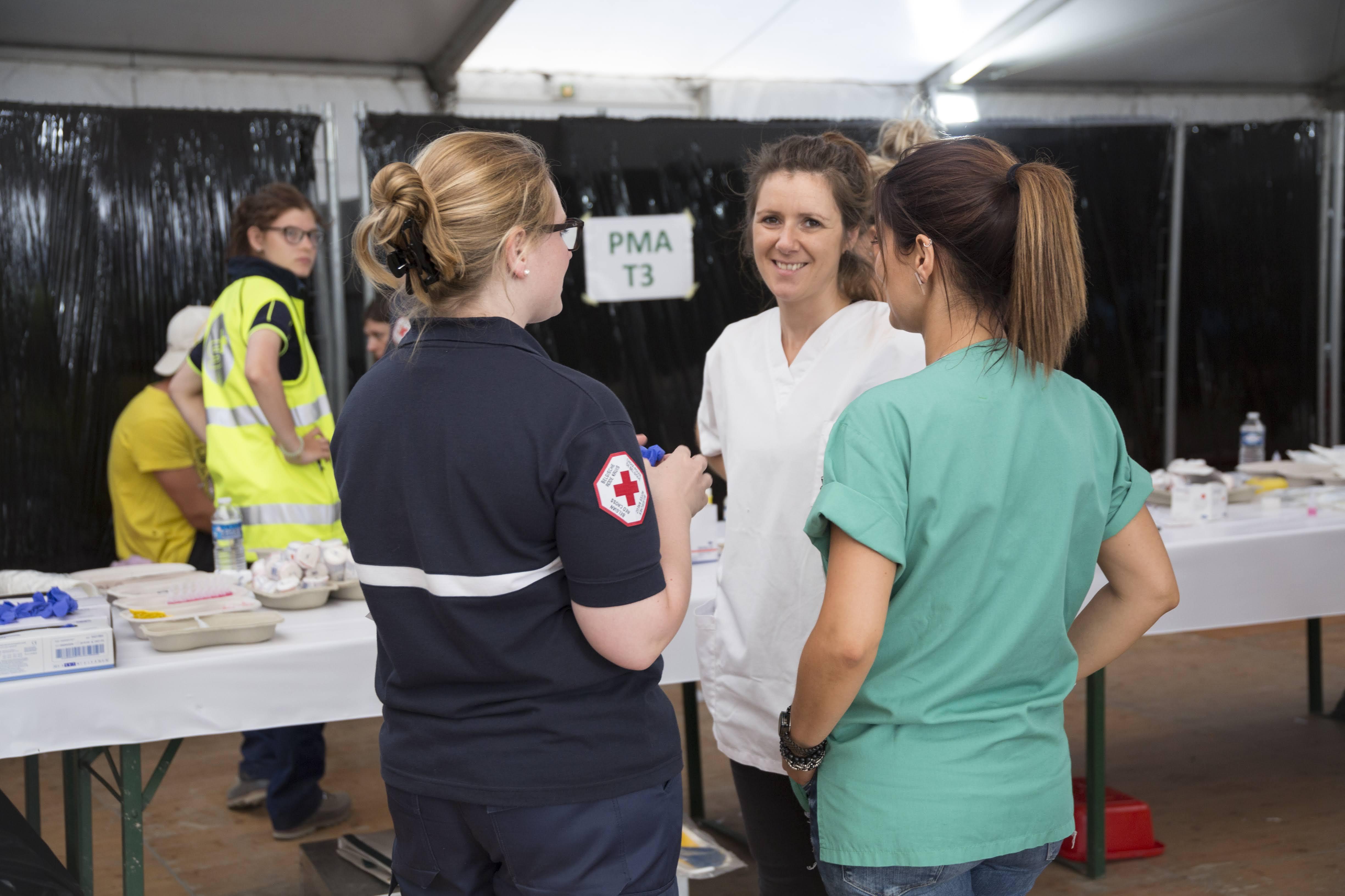 Secouristes Croix-Rouge mobilisé·es tout l'été pendant les festivals