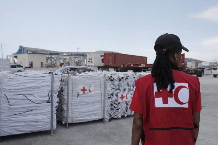 les vivres pour les victimes de l'ouragan dorian aux bahamas